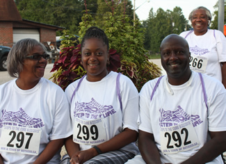 4 walkers Notasulga WIN 3-mile Steps for the Cure walk